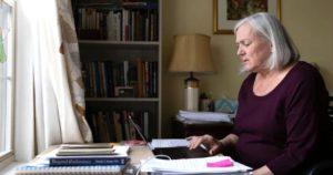 Penny-Parkin-69años-Estados-Unidos-primeras-pacientes-advertir-síntomas-Post-Covid
