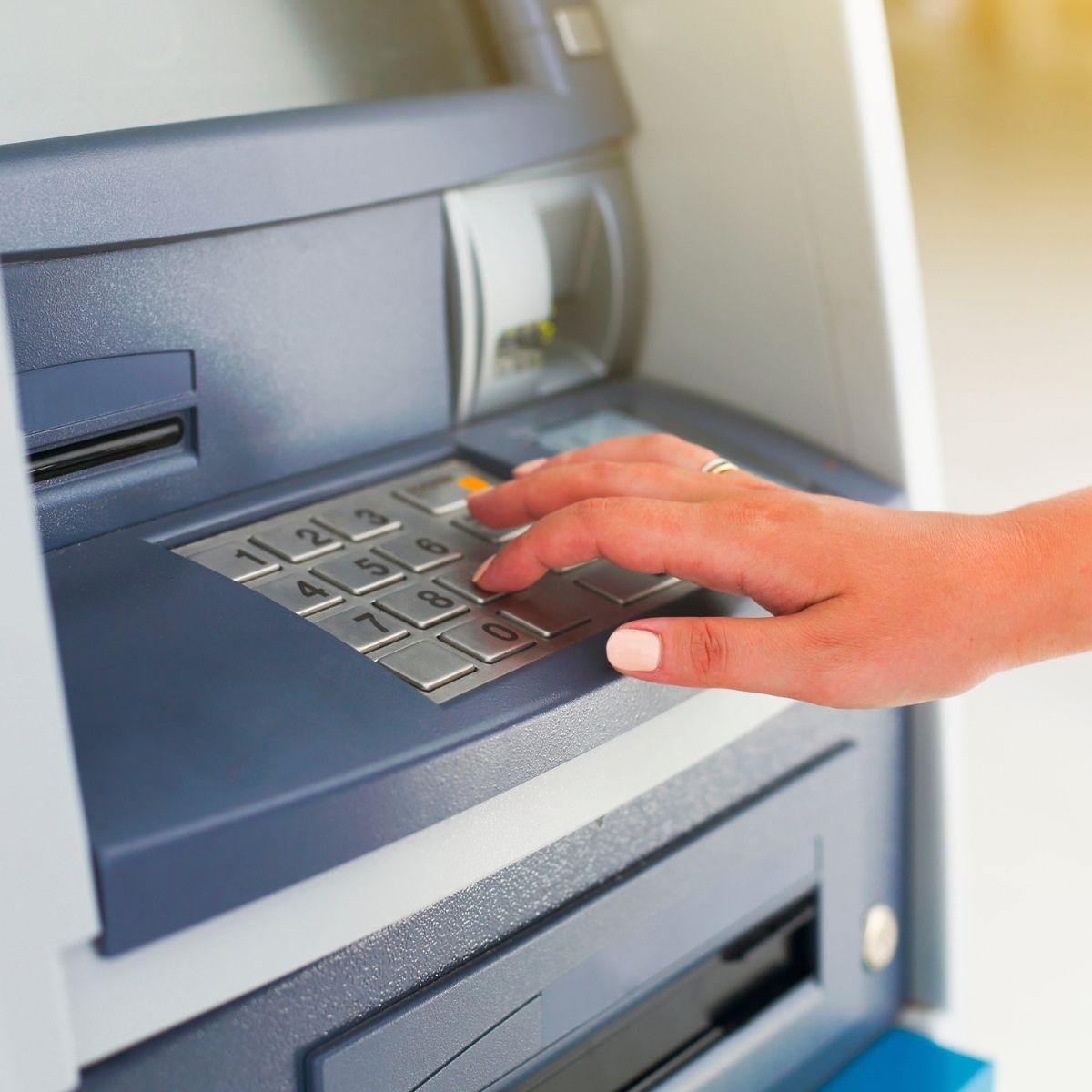 Por qué no me dan una tarjeta de crédito si el propio banco me la ofreció 24