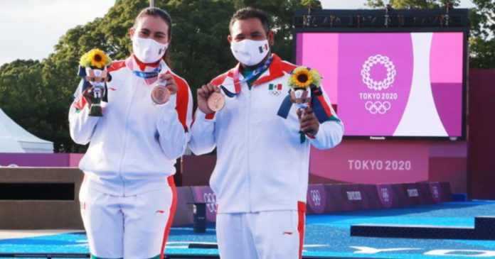 México-celebra-medallas-de-bronce-Tokio-2020