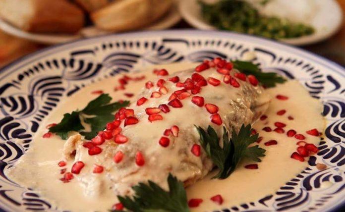 Conoce la tradición y recetas de chiles en nogada | Foto: El Claustro