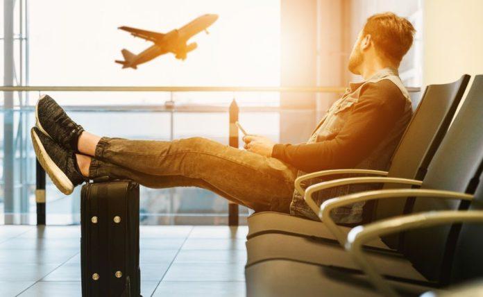 Hay diversas opiniones sobre ir a un aeropuerto en pandemia   Foto: Pixabay