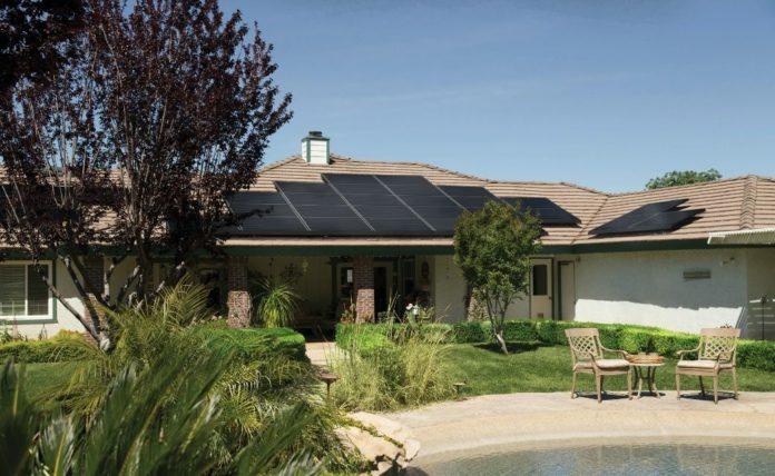 Los paneles solares tienen beneficios para el medio ambiente | Foto: Pexels