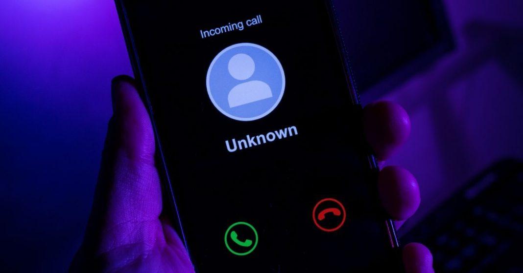 De dónde sacan las empresas tu número telefónico; aprende a bloquear las llamadas molestas portada