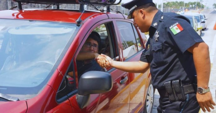 Hablemos de cuándo la policía sí te puede inspeccionar sin una orden judicial portada ok