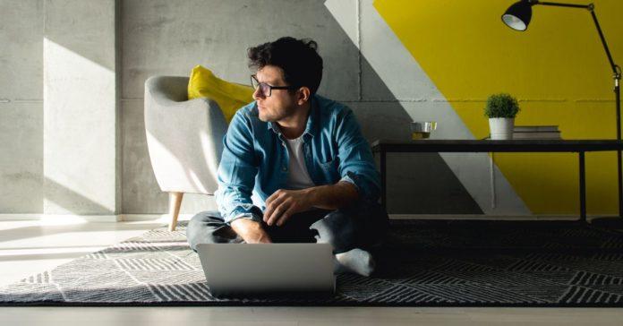 ¿Necesitas un diseñador, un programador, consultor o contador Contrata a un freelancer en estas páginas portada
